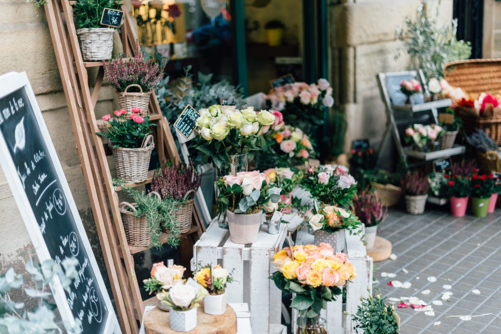 many-flowers-in-the-florist