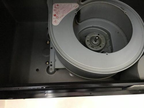 inside-a-clean-ventilation-fan
