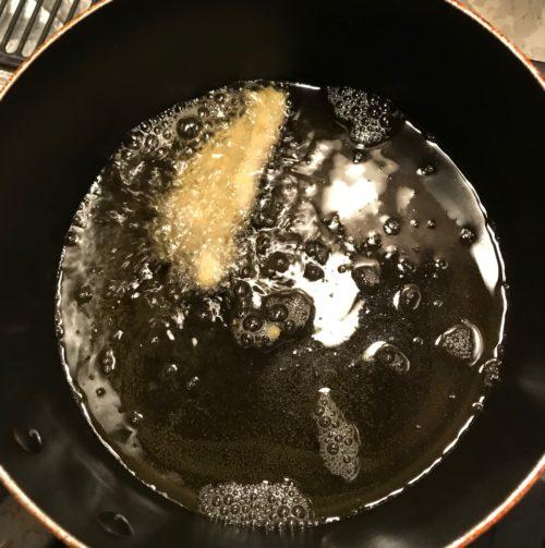 fry-chicken-in-oil